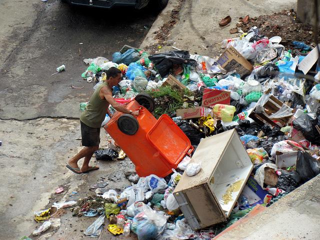 rocinha-garbage