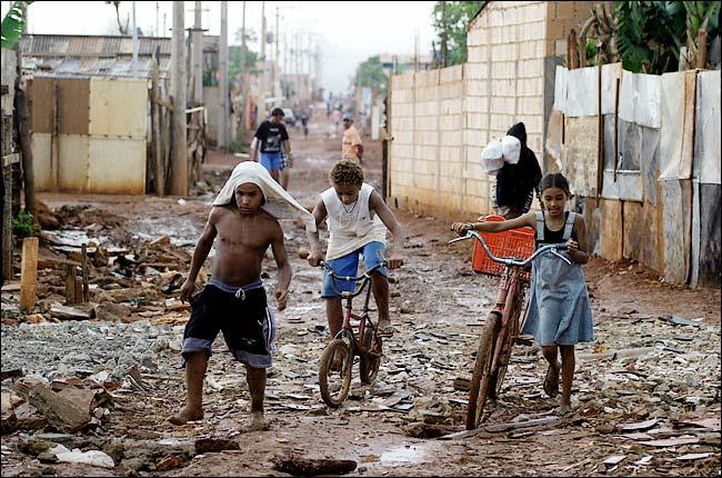 brazil-estrutural-slum RIO